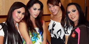 Waria Malaysia Kini Bebas Berpakaian Seperti Wanita