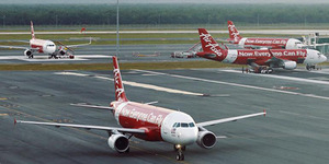 10 Nama Penumpang AirAsia QZ 8501 yang Batal Naik