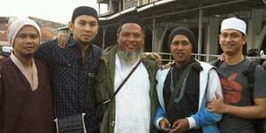 Foto Lukman & Reza NOAH Saat Dalami Islam