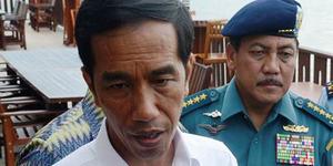 Jokowi Minta KNKT Mempercepat Pencarian AirAsia QZ8501