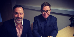 Pasangan Gay Elton John-David Furnish Menikah
