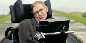 Stephen Hawking Ingin Jadi Penjahat di Film James Bond