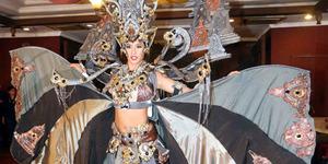 Elvira Devinamira Menang Kostum Nasional Terbaik Miss Universe 2015
