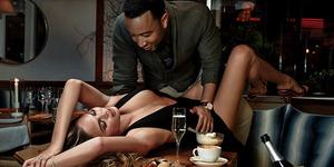 Foto Hot John Legend-Chrissy Teigen Bugil di Majalah GQ