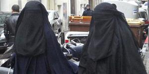 Hendak Pacaran, 2 Pria Turki Pakai Burqa Ditangkap Polisi