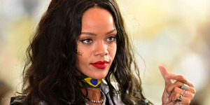 Lagu Terbaru Rihanna 'World Peace' Bocor