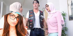 Kontroversi Mia Khalifa Berhijab di Film Porno
