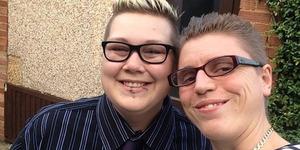 Pasangan Lesbian Diusir Dari Toilet Wanita Sebab Dikira Laki-Laki