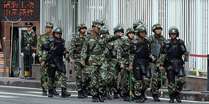 Polisi Tiongkok Tembak Mati 2 Muslim Uighur di Perbatasan Vietnam