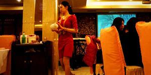 Restoran Tiongkok ini Gratis Bagi Pengunjung Cantik