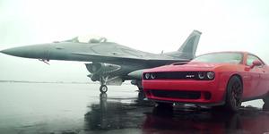 Video Balapan Dodge Challenger vs Pesawat F16