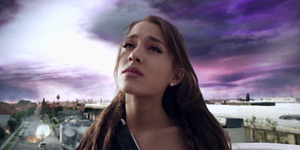 Ariana Grande Rilis Video Klip One Last Time