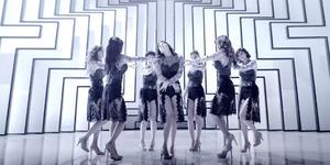 Comeback, Rainbow Tampil Gelap & Seksi di MV Black Swan