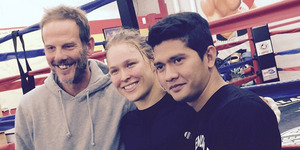 Foto Bareng Peter Berg di Hollywood, Iko Uwais Syuting Film Box Office?