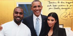 Foto Kim Kardashian Tampil Seksi Bareng Obama