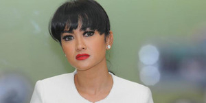 Meme Kocak Banjir Jakarta Setinggi Dada Julia Perez
