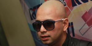 Penuhi Nazar, Raffi Ahmad Tampil Gundul