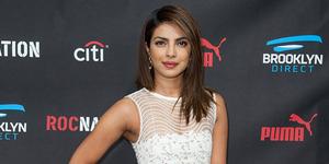 Priyanka Chopra Nyaris Bugil di Grammy Awards 2015