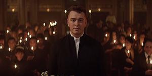 Sam Smith Curhat di Video Klip Lay Me Down