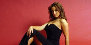 Tobat, Model Playboy Sophia Cahill Ogah Foto Bugil