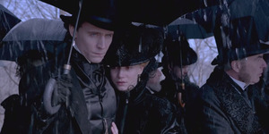 Tom Hiddleston-Mia Wasikowska Bercinta di Trailer Crimson Peak