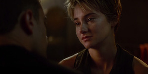 Video Adegan Emosional Shailene Woodley-Theo James di Insurgent