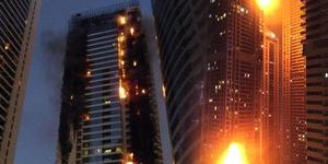 Video Gedung Pencakar Langit di Dubai Terbakar Hebat