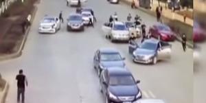 Video: Tawuran Brutal Gengster Tiongkok Terekam CCTV