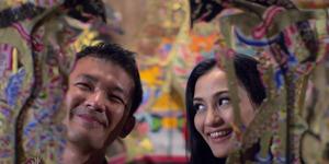 Adegan Romantis Rio Dewanto-Atiqah Hasiholan di Trailer Cinta Selamanya