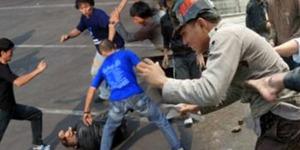Anggota Polisi Cirebon Dikeroyok Geng Motor Lalu Ditelanjangi