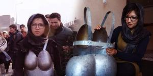 Bikin Pakaian Dalam Besi, Seniman Afganistan Diancam Dibunuh