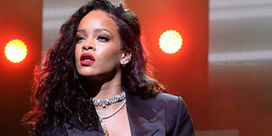 Bocoran Lagu Baru Rihanna 'Higher'