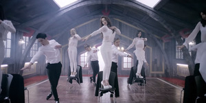Comeback, FIESTAR Ngedance Seksi di MV You're Pitiful