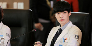 Foto Ganteng Ahn Jae Hyun di Behind The Scene Blood