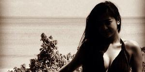 Foto Pamer Belahan Dada Seksi, Dewi Perssik Dihujat