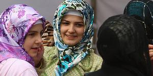Guru Muslim di Jerman Boleh Menggunakan Jilbab