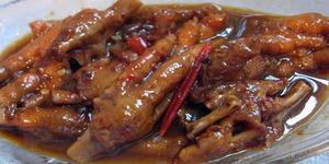 Makan Ceker Ayam, Aman atau Berbahaya?
