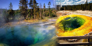 Miris, Sumber Mata Air Tercantik di Amerika Dirusak Turis