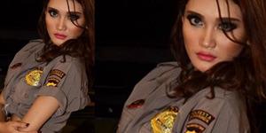 Model Seksi Berseragam Polisi Samarinda Terancam Dipenjara