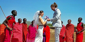 Pasangan Romantis Menikah 38 Kali di 11 Negara