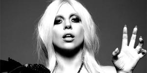 Syuting American Horror Story, Payudara Lady Gaga Nongol