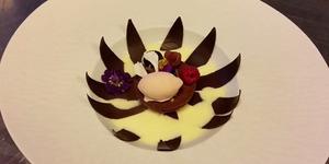 Uniknya Kue Cokelat Bisa Mekar Seperti Bunga