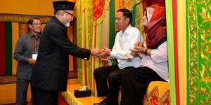 Warga Aceh Kaget Jokowi Jadi Imam Salat Zuhur
