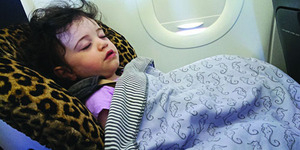 Balita Rewel, Ortunya Diusir dari Pesawat Transavia Airlines