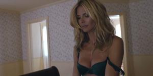Heidi Klum Tampil Seksi di Video Klip Sia 'Fire Meet Gasoline'