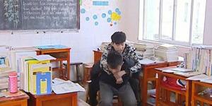 Teman Sejati, Xie Xu Gendong Zhang Chi Sampai Lulus SMA