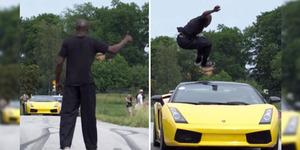 Aksi Maut Al Lompati Mobil Ferrari yang Melaju Kencang