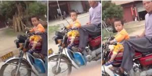 Bocah Dua Tahun Bonceng Kakeknya Pakai Motor Kopling
