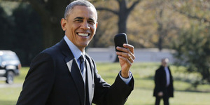 Keunggulan Smartphone BlackBerry Milik Obama