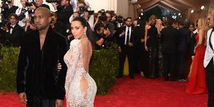 Kim Kardashian Pakai Gaun Transparan Seksi di Met Gala 2015